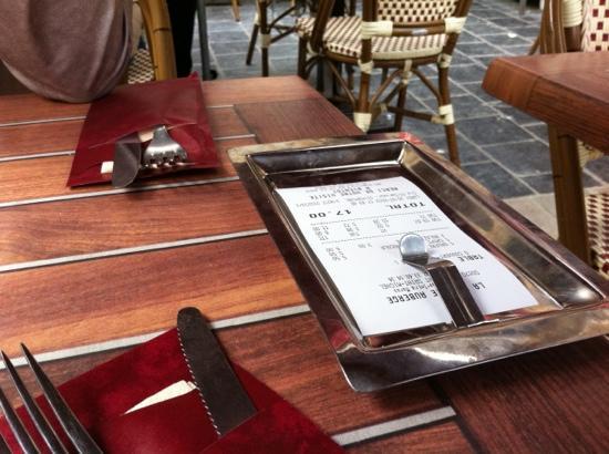 La Vieille Auberge: L'addition sans service...