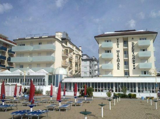 Hotel Vidi Miramare & Delfino: Hotel dalla spiaggia - 1
