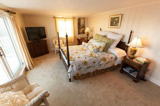 Yankee Clipper Inn: Volunteer Suite