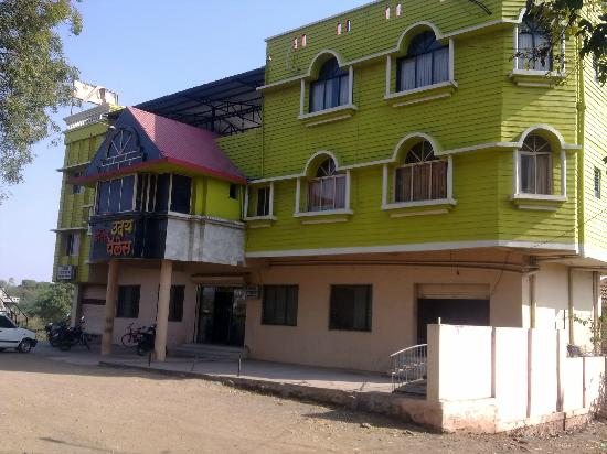 Dhule, India: Hotel Building.