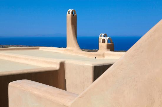 Voreina Gallery Suites: Architectural lines