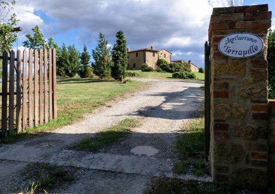 Agriturismo Terrapille: Einfahrt Tor Terrapille