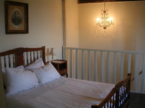 Chez Dyna: cottage bedroom