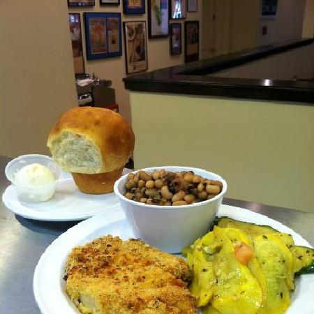 Your Mama's Good Food: Rosemary Chicken & Yeast Roll