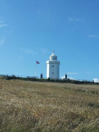 South Foreland Lighthouse: approaching the lighthouse