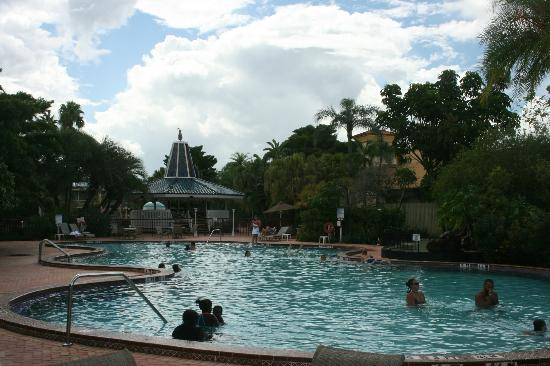 Clarion Hotel & Conference Center: pool