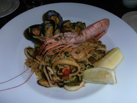 Villa Mansa Wine Hotel & Spa: Paella, an Easter special at the hotel