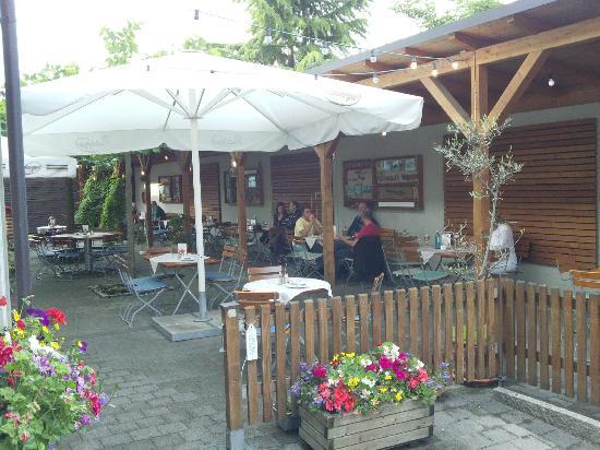 Gasthof-Hotel Adler: Biergarten