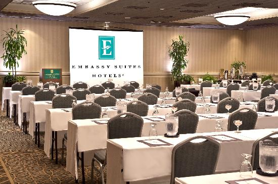 Embassy suites by hilton chicago schaumburg woodfield - 2 bedroom suites in schaumburg il ...