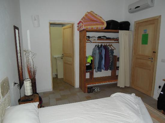 B&B Albaluccia: la stanza vista dall'ingresso