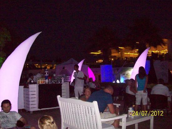 Voyage Torba: Sky Bar - White Night on a Tuesday