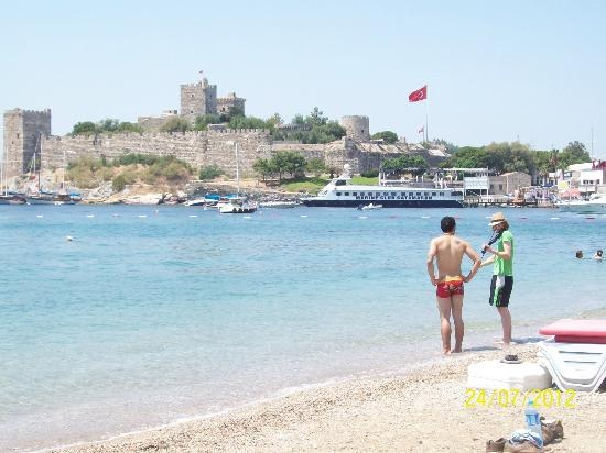 Voyage Torba: Bodrum beach and view of the castle
