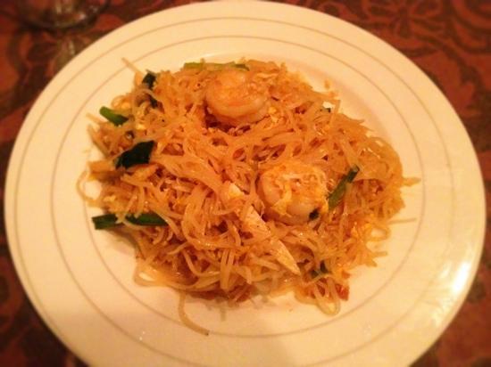 Saen Thai Cuisine Limited: Pad Thai is my favorite!