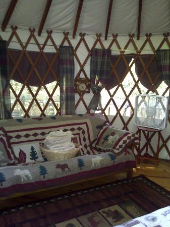 Falling Waters Adventure Resort: Yurt #4