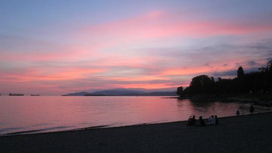 English Bay Inn: Beautiful beach within minutes