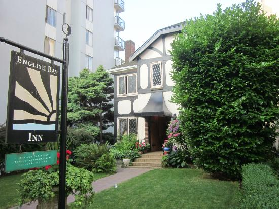 English Bay Inn: B&B entrance sign
