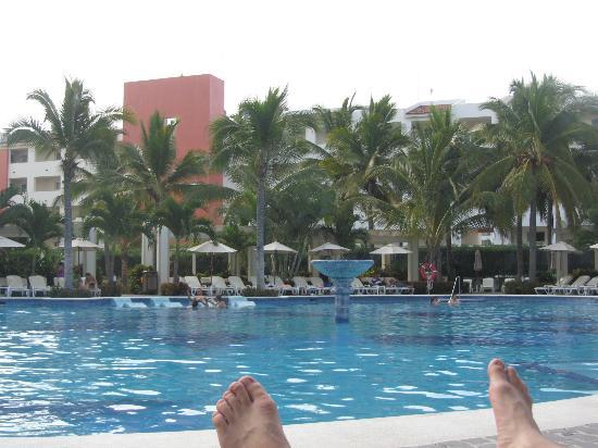 Hotel Riu Vallarta: Pool