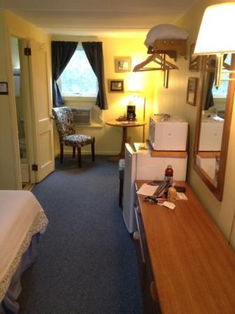 Casablanca Motel: cabin 8: Equinox