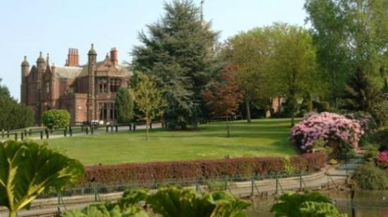 Γουόρινγκτον, UK: Walton Hall Gardens/Wedding venue in Cheshire