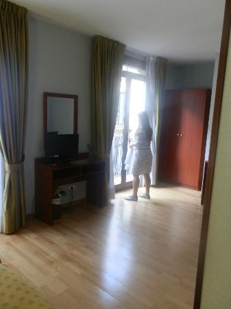 Hotel Suizo: Quarto