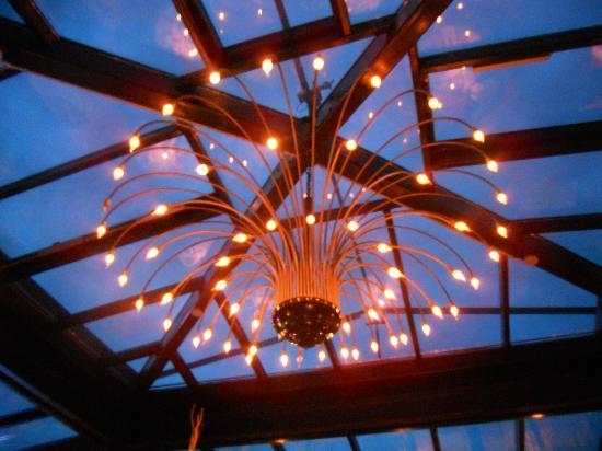 Waldkasino: Beleuchtung im Wintergarten