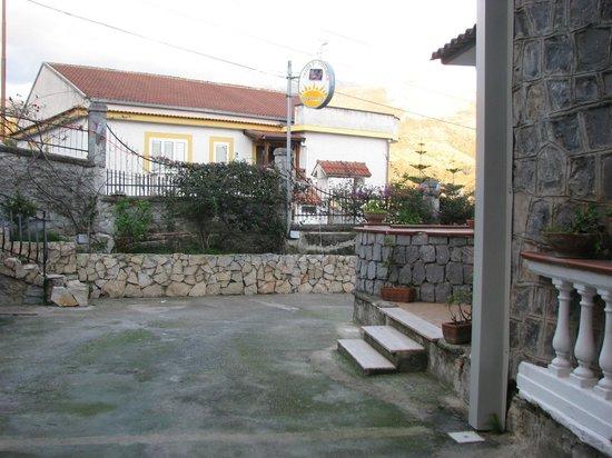 Elios Residence : giardino elios