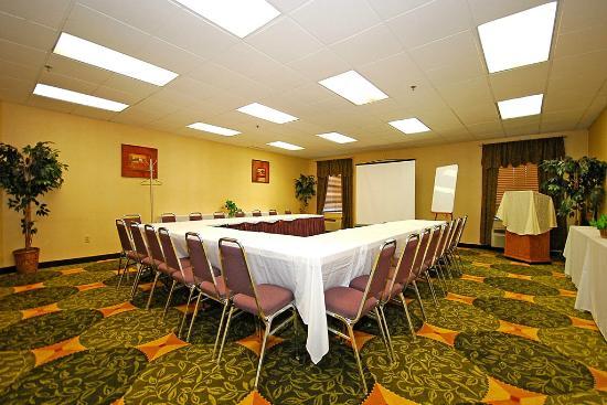 دايز إن بتسبرج إيربورت: Meeting Room