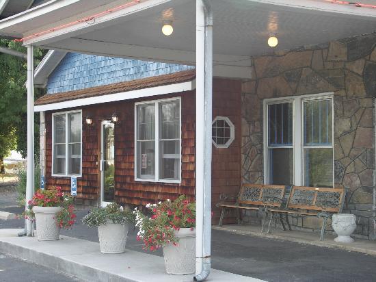 Blue Stone Inn: Welcome