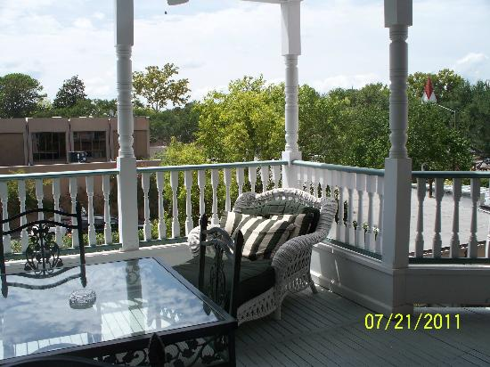 The Beaufort Inn: second story porch
