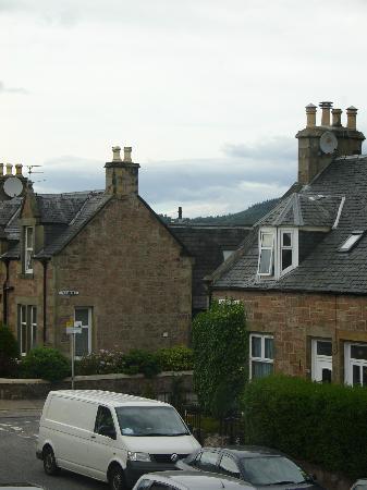 Torridon Guest House: Vistas de Kenneth Street desde la habitación