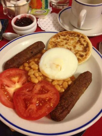 Westbourne Guest House: Wonderful breakfast with vegetarian sausages, poached egg and potato scone. YUM YUM