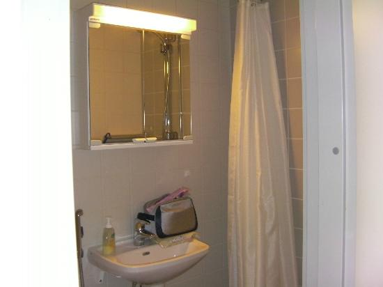 Hostel Academica: bagno