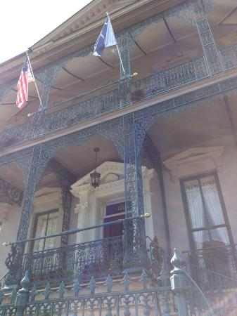 John Rutledge House Inn: The front of the Inn