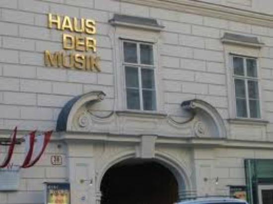 """Eingang """" Haus der Musik"""" Wien 1, Seilerstätte"""