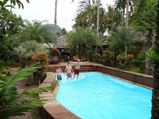Baan Habeebee Resort : Vue depuis la terrasse bungalow De Luxe