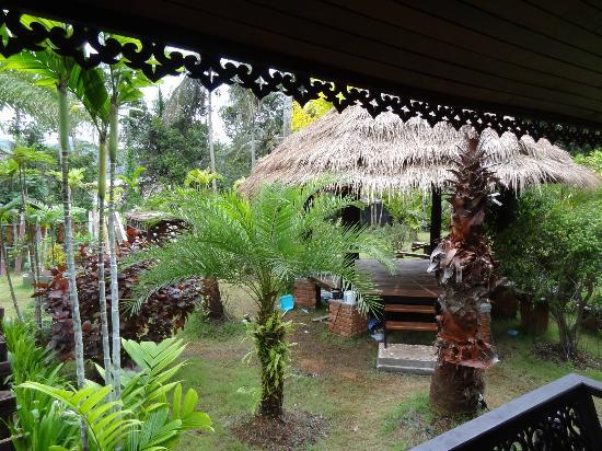 Baan Habeebee Resort : Vue sur la gloriette pour les massages