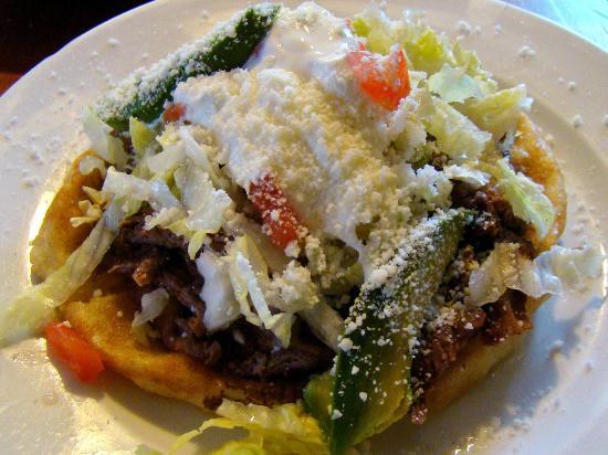 Taqueria Santanna : Sope con pollo