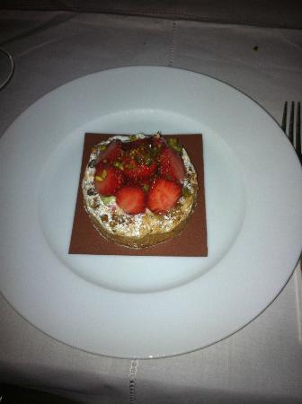Montebello fraise picture of la cuisine le royal monceau paris tripadvisor - Royal monceau la cuisine ...