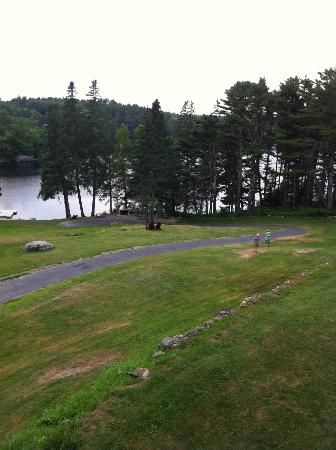 Beach Cove Waterfront Inn: beautiful lake view