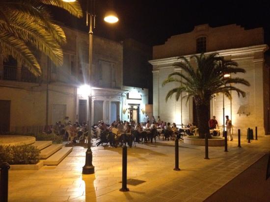 Trattoria Pizzeria Dante: Dinning in Piazza Dante at Ristorante ~ pizzeria Dante