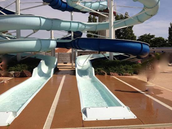 Camping Dauphins Bleus : Espace piscine