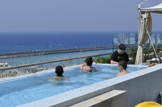 GDM Megaron Hotel: rooftop infinity pool