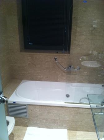 BEST WESTERN Mediterraneo: ванная, все чисто, с окном
