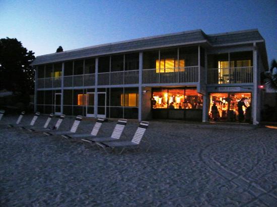 Resort Sixty-Six: Beach Bistro Restaurant