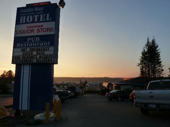 Haida Way Motor Inn: Blick vom Hotel Richtung Hafen