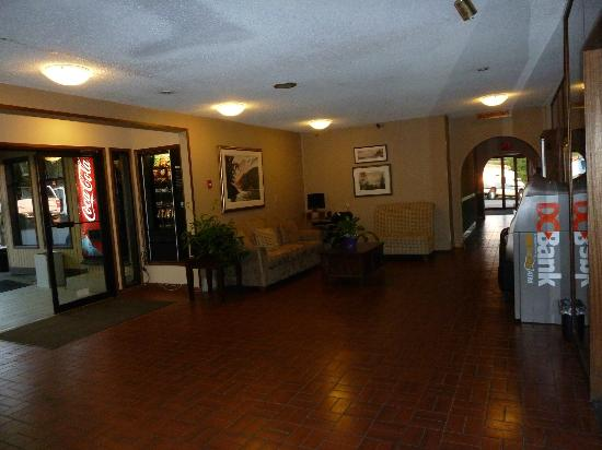 Haida Way Motor Inn : In der Lobby