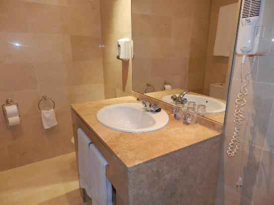 Hotel Benetusser: bagno con bidet