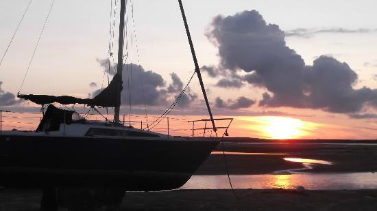 The Pennington: Sunset over the estuary opposite hotel