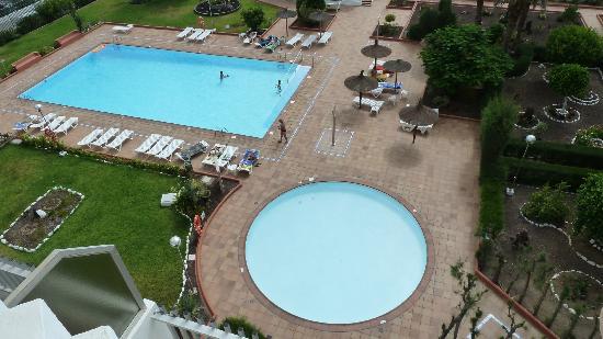 Apartamentos Tenesor: las piscinas desde la habitación