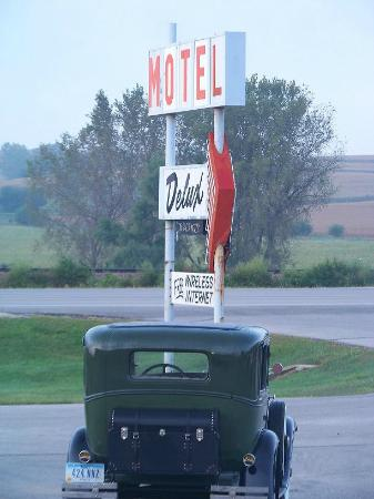 Delux Motel: Look for our sign right off Highway 175 between Ida Grove and Arthur, Iowa